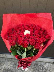 やっぱり赤バラが大人気!!